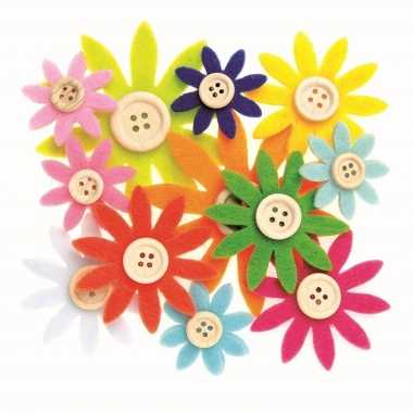 12 stuks gekleurde hobby bloemen van vilt met houten knoop
