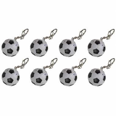 8x sleutelhangers voetballetje met licht en geluid 3,5 cm