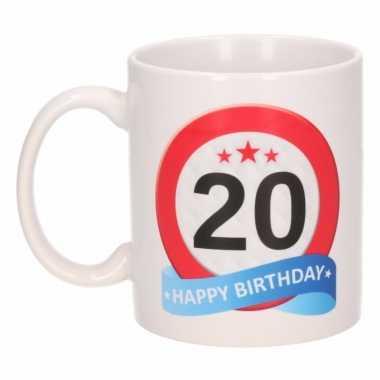 Cadeau 20 jaar mok / beker verkeersbord thema