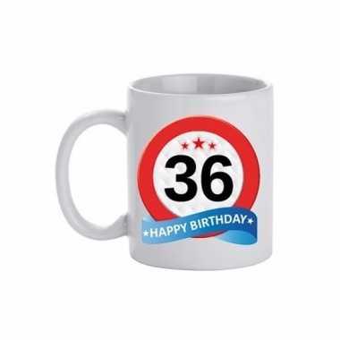 Cadeau 36 jaar mok / beker verkeersbord thema