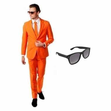 Carnavalskostuum oranje heren pak 52 (xl) met gratis zonnebril