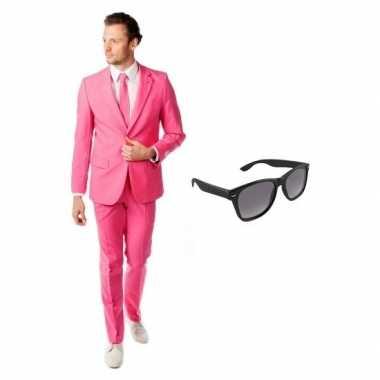 Carnavalskostuum roze heren pak 54 (2xl) met gratis zonnebril