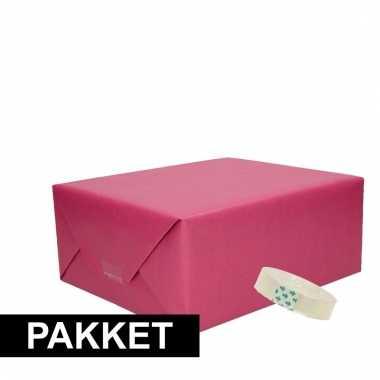 Drie stuks kraft inpakpapier met rolletje plakband pakket 1