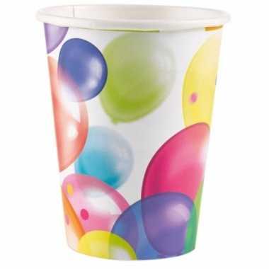 Feestelijke wegwerpbekertjes met ballonnenopdruk karton 250ml 8st