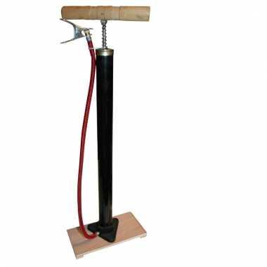 Fietspomp klassiek model met houten plank