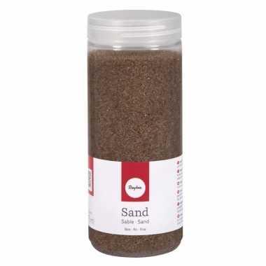 Fijne zandkorreltjes bruin