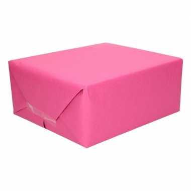 Fuchsia roze kraftpapier 70 x 200 cm