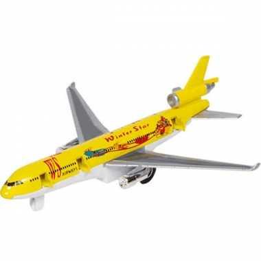 Geel model vrachtvliegtuig