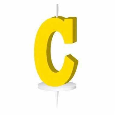 Geel taart kaarsje letter c