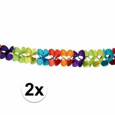 Gekleurde papieren slingers 6 meter twee stuks