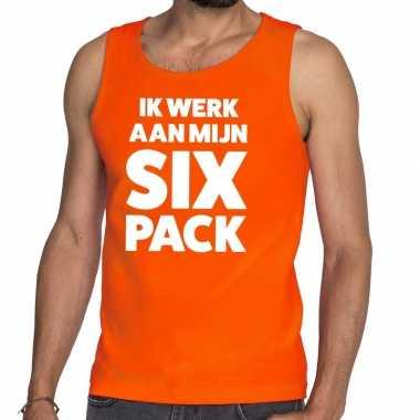 Ik werk aan mijn six pack fun tanktop / mouwloos shirt oranje voor he