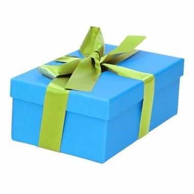 Kado doosjes blauw met lichtgroene strik 15 cm rechthoekig