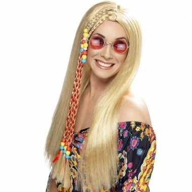 Lange blonde hippie sixties pruik met vlechtjes