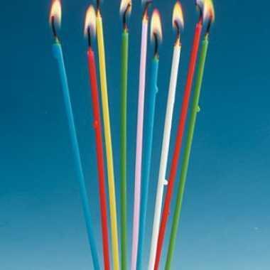 Lange gekleurde kaarsen 18 stuks