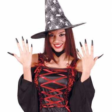 Lange zwarte heksennagels