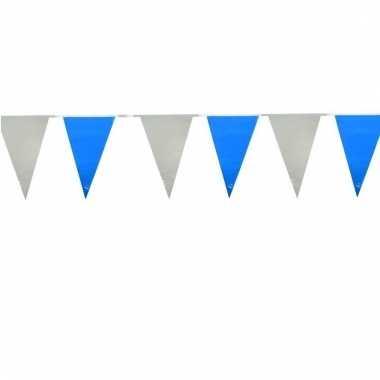 Lichtblauw witte vlaggenlijnen