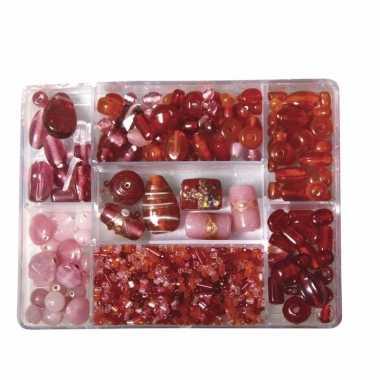 Lichtrode glazen kralen in box 115 gram