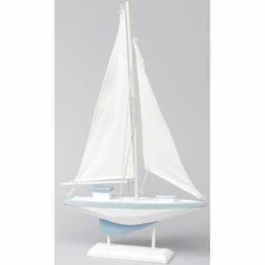 Maritieme woondecoratie zeilboot blauw/wit 19 x 30 cm van hout