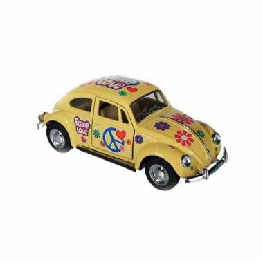 Modelautootje vw beetle geel hippie 12,5 cm
