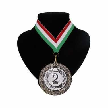 Nummer 2 medaille rood wit en groen