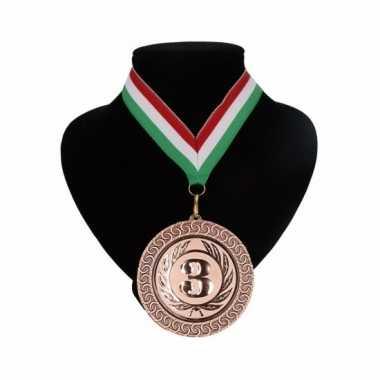 Nummer 3 medaille rood wit en groen
