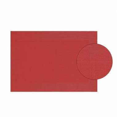 Onderlegger rood gevlochten 45 x 30 cm