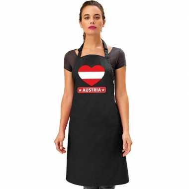 Oostenrijkse vlag in hart keukenschort/ barbecueschort zwart heren en