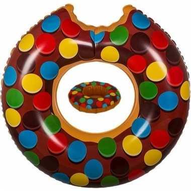 Opblaas bruine donut zwemband en bekerhouder voor in het zwembad