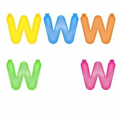 Opblaasbare gekleurde letter w