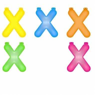 Opblaasbare gekleurde letter x