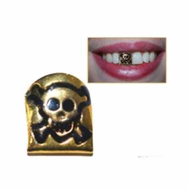 Opzet tand met doodshoofd
