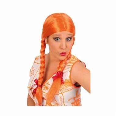 Oranje damespruik met twee vlechtjes