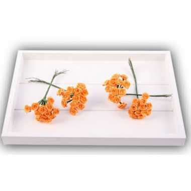 Oranje roosjes van satijn 12 cm