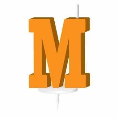 Oranje taart kaarsje letter m