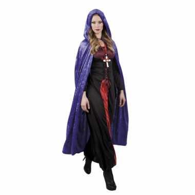 Paarse vampier cape