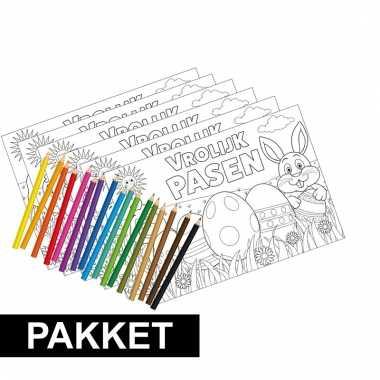 Pakket 6 paas placemats kleurplaten inclusief potloden