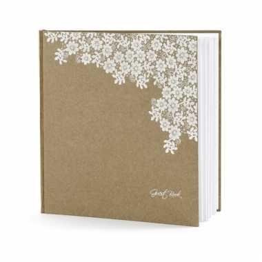 Receptie gastenboek met bloemetjes