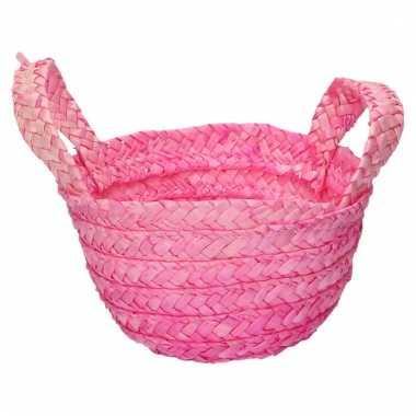 Rieten mandje roze 15 x 18 cm met hengsels
