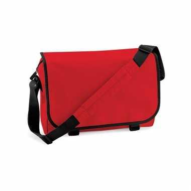 Rode aktetassen met schouderband