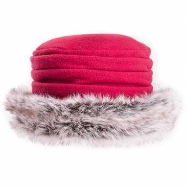 Rood fleece hoedje met nepbont voor dames