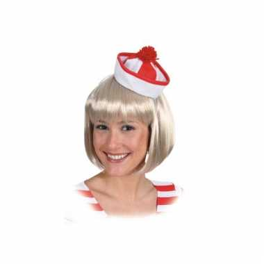 Rood met wit matrozen hoedje