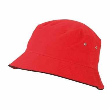 Rood zonnehoedje voor kinderen