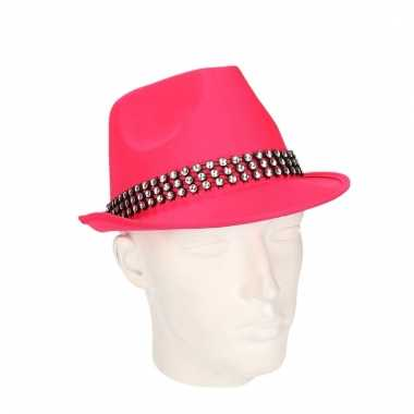 Roze hoedjes met zilveren steentjes