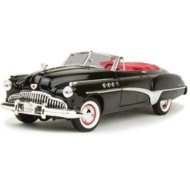 Schaalmodel buick roadmaster 1:18 zwart/rood