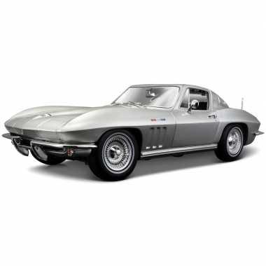 Schaalmodel chevrolet corvette 1965 1:18