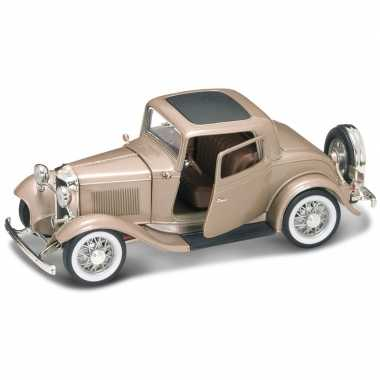 Schaalmodel ford coupe 1932 1:18