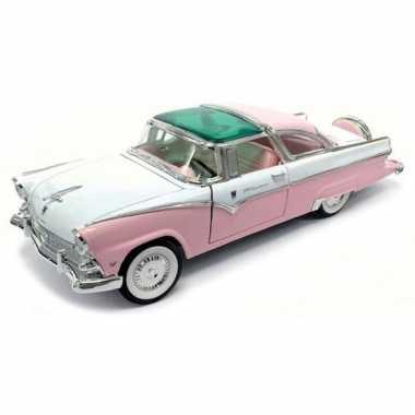 Schaalmodel ford fairlane crown victoria 1955