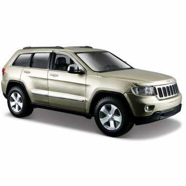 Schaalmodel jeep grand cherokee laredo 1:24