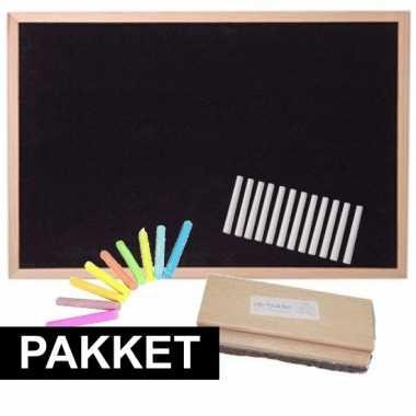 Schoolbord met wisser en krijt