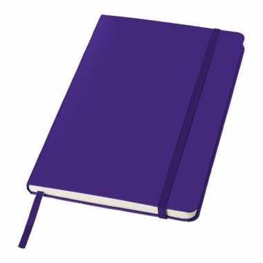 Schrift a5 formaat met paarse harde kaft
